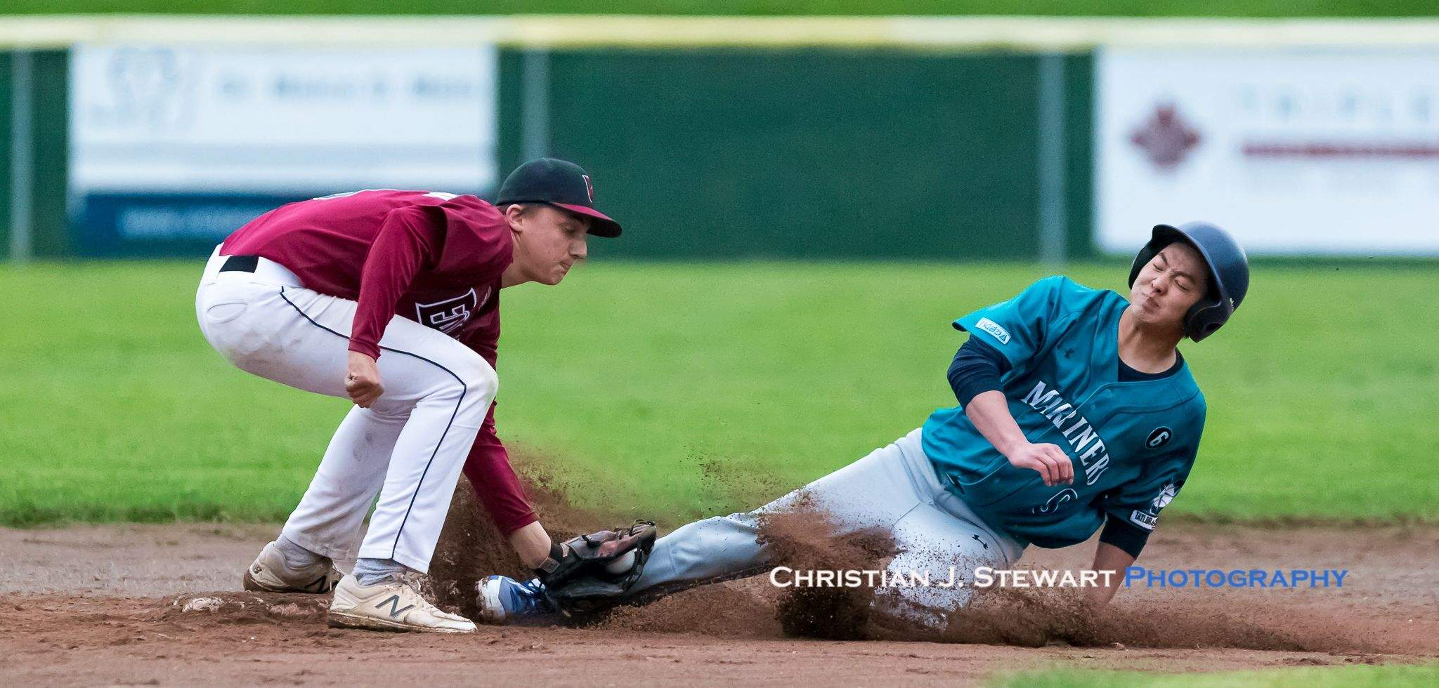 Victoria Mariners baserunner Rei Kumura (9) is tagged out by Eagles second baseman Chad Hegland on this play Tuesday (Photo: Christian J. Stewart)