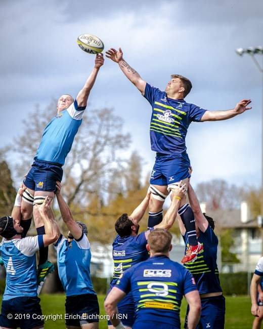 April 6, 2019   Victoria, BC (ISN) - UVic elevates over Seattle 83-25 in the final regular home game of the season - Erich Eichhorn image (www.allsportmedia.ca)