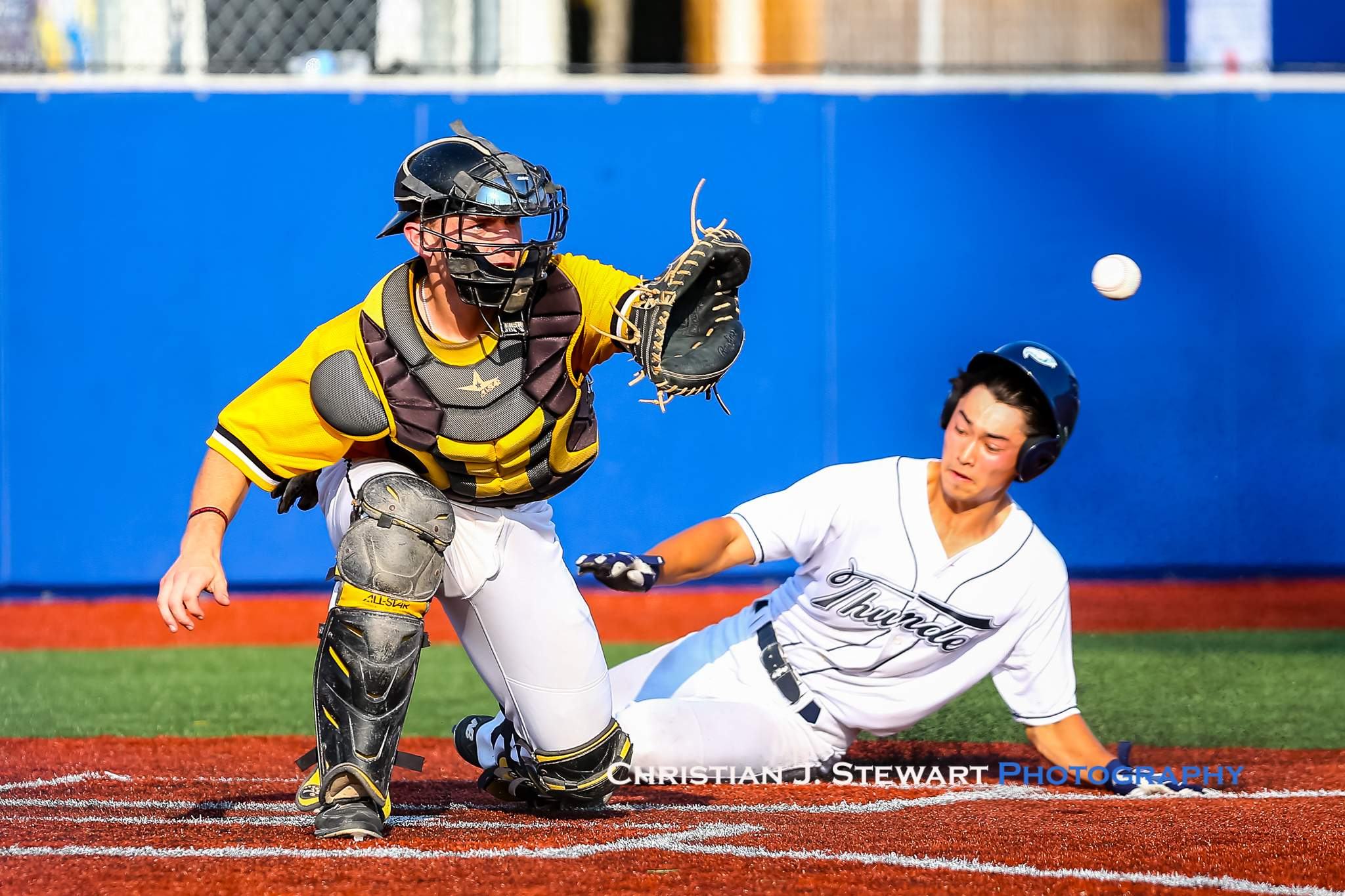 The Thunder scored their first run of the game when Angus Pegg beat this throw to Nanaimo catcher Connor Caskenette (Photo: Christian J. Stewart)