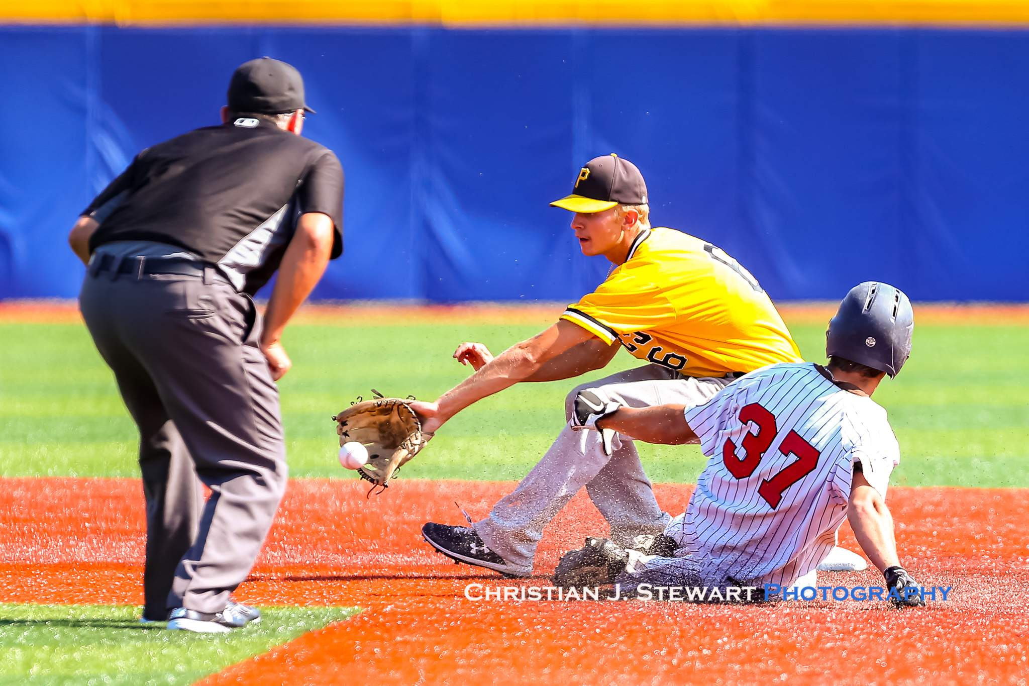 Pirates second baseman Josh Hill makes the catch a bit too late to nab Twins baserunner Damon Hutchings on this play in Sunday's final game (Photo: Christian J. Stewart)