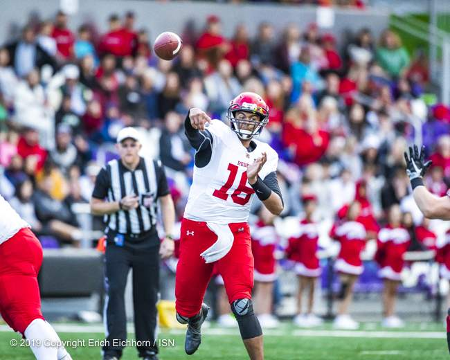 August 10, 2019 Victoria, BC (ISN) - Rebels' Shawn Lal deliver the ball across feild in there first quarter of play - Erich Eichhorn ( www.allsportmedia.ca)