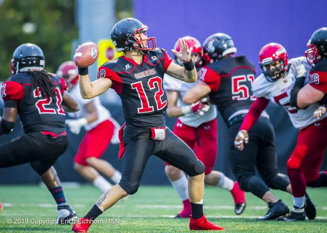 August 10, 2019 Victoria, BC (ISN) - Raider's Kyle Laberge, always dangerous through the air on on the ground - Erich Eichhorn ( www.allsportmedia.ca)