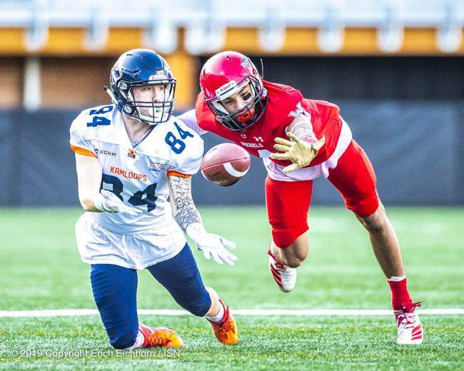 October 5, 2019 Victoria, BC (ISN) - Defence always key, receiver Bryce Mayoh is used on the other side of the ball for a speedy knock ball down - Erich Eichhorn (www.allsportmedia.ca)
