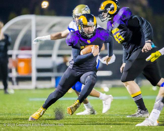 November 8, 2019 Victoria, BC ISN) - Ram's QB Hunter Swift add's another dimension with his running ability - Erich Eichhorn (www.allsportmedia.ca)