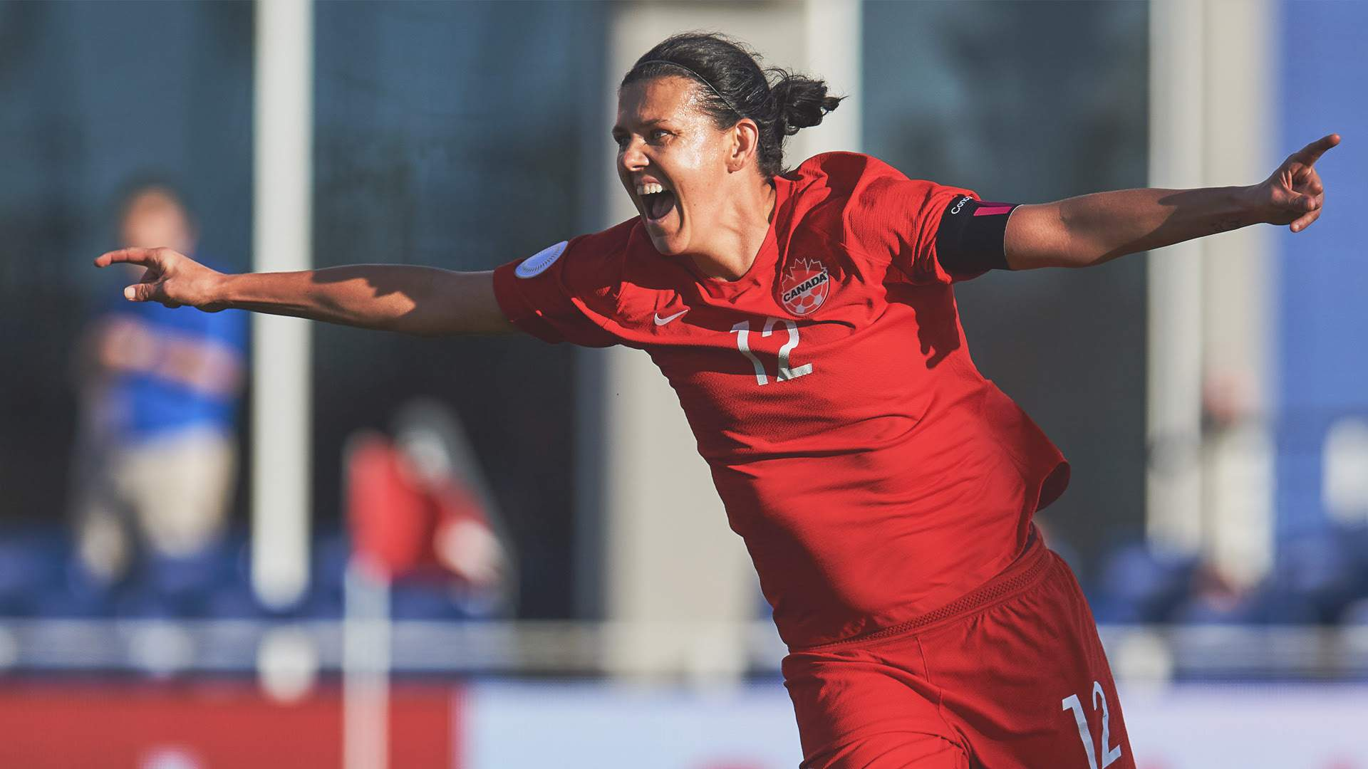 Christine Sinclair breaks record